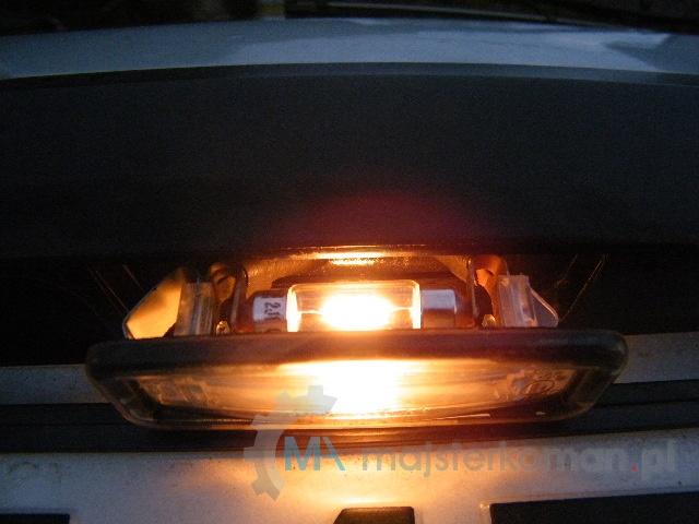 Jak Wymienić Spaloną żarówkę Oświetlenia Tablicy